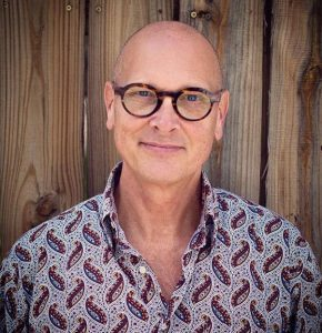 Tom, Art Gallery Owner
